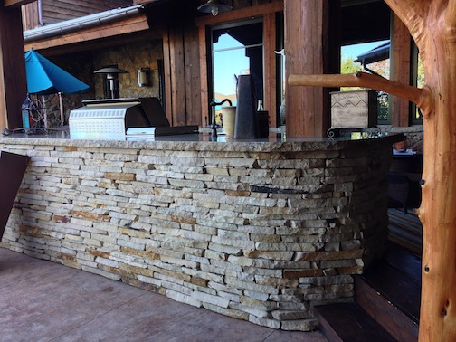 Castle Rock Outdoor Kitchen Picture