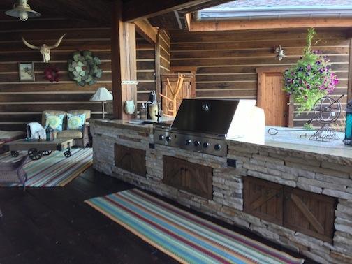 Castle Rock Outdoor Kitchen Picture